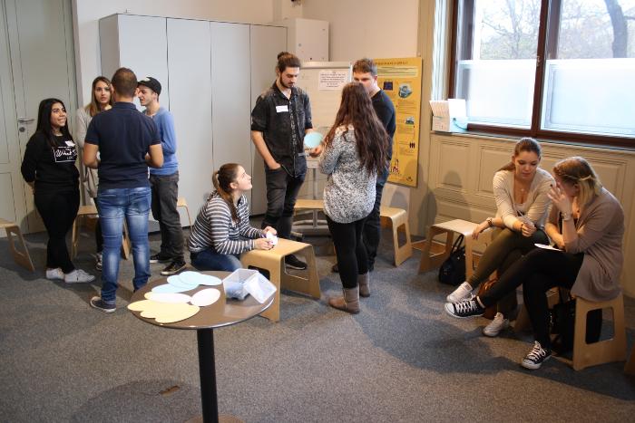 Lehrlinge des Lehrlingsforums – Demokratie bei der Gruppenarbeit