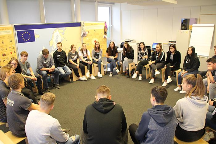 Diskussion zum Thema Europäische Union in der Gruppe
