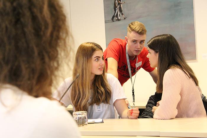 Intensive Auseinandersetzung im Lehrlingsforum – Parlament im Ausschuss, Lokal 1, Pavillon Hof des Parlaments