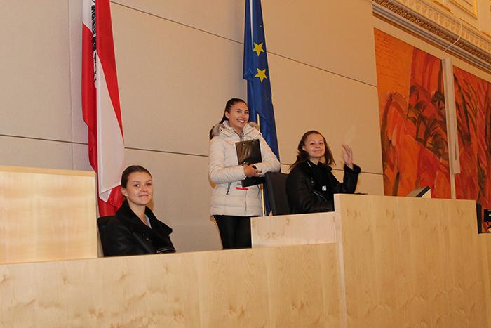 Lehrlinge am Präsidium des Nationalrates im Großen Redoutensaal der Hofburg