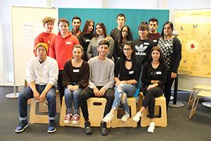 Gruppenfoto der Lehrlinge des bfi Wien, Rampengasse