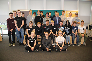 Gruppenfoto der Lehrlinge der Voest Alpine GesmbH, Klasse 1B