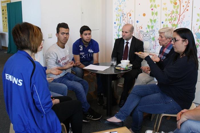 Gesprächsrunde zwischen Lehrlingen und Bundesrätin Monika Mühlwerth sowie Bundesrat Gerald Zelina