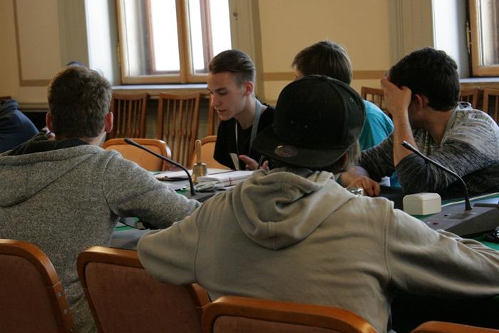 Ausschnitt der Lehrlingsgruppe während der Ausschusssimulation