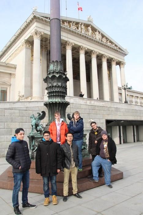 Lehrlinge vor dem Parlament